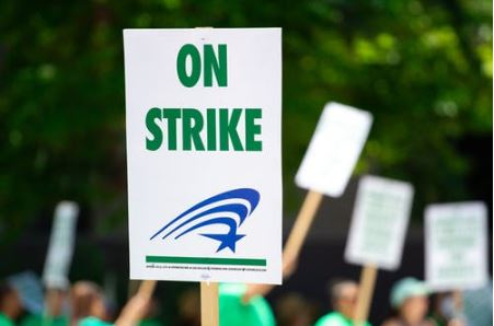 What are employee's rights regarding attending climate strikes?